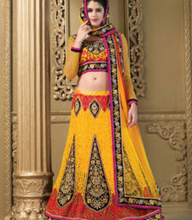 Grab Up to 90% Off on Lehengas At Mirraw Visit a Website