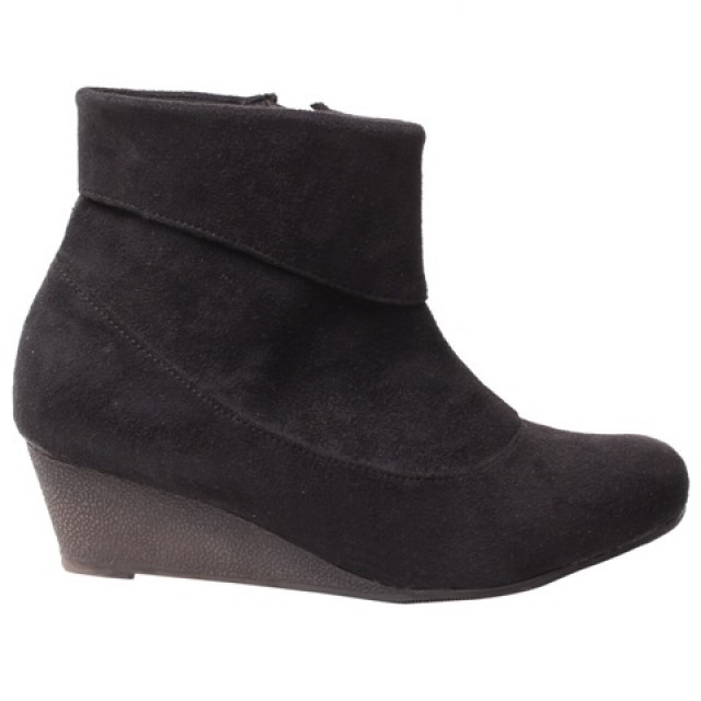 Buy Boots for Womens Online India at Shoppyzip
