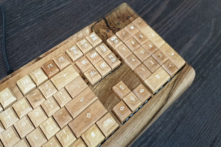 Wooden Keyboard W4 walnut edition